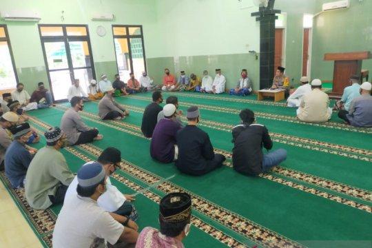 Sosialisasikan larangan mudik, Polres Bangka Barat gandeng pengurus masjid