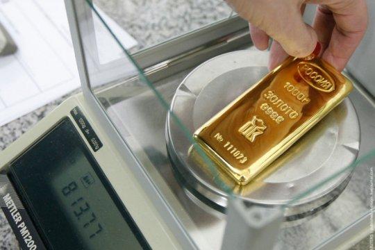 Emas melonjak lagi 15,6 dolar