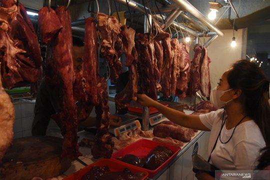 Bupati Belitung tinjau harga daging sapi jelang Idul Fitri