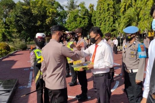 12 personel Polres Enrekang diberi penghargaan karena berprestasi