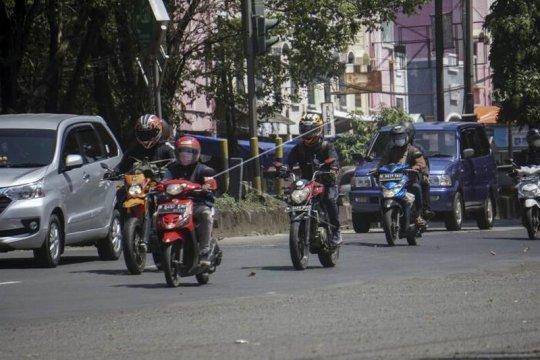 Pemudik sepeda motor Page 2 Small