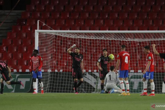 Libas Granada 4-1, Madrid tempel Atletico berburu gelar juara La Liga