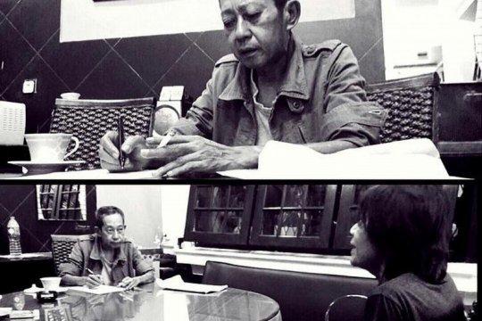 """Penulis """"Ali Topan Anak Jalanan"""" Teguh Esha meninggal"""