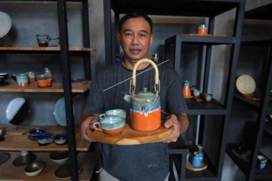 Kerajinan keramik pasar ekspor