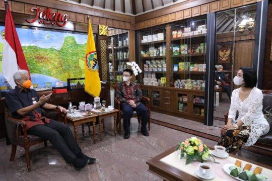 Ganjar ajak Shopee tingkatkan penjualan peoduk UMKM Jateng