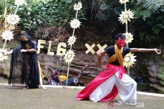 Rahasia percintaan komunitas diungkap lewat Festival Lima Gunung