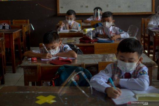 Simulasi pembelajaran tatap muka di Cimahi, Jawa Barat