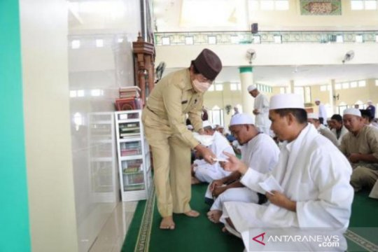 Forkopimda Bangka Belitung gelar operasi yustisi prokes COVID-19 di 23 masjid