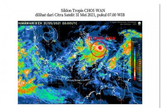 BMKG: Waspadai gelombang tinggi dampak siklon tropis Choi-Wan