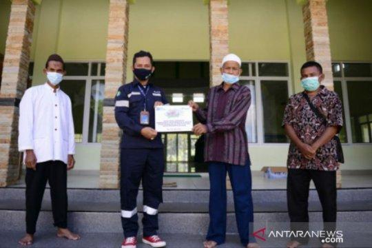 PT Timah serahkan bantuan pembangunan masjid dan orang sakit di Desa Bedengung