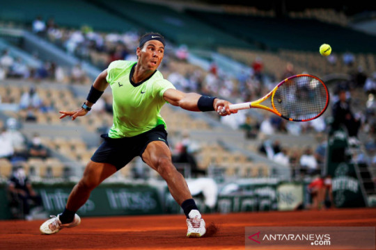 Rafael Nadal melenggang ke babak semifinal Grand Slam lapangan tanah liat