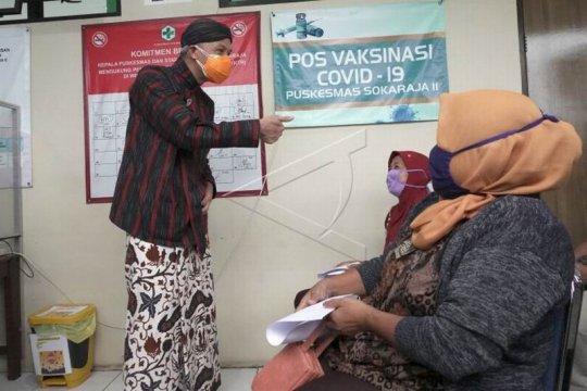 Vaksinasi COVID-19 untuk lansia