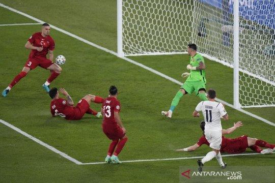 Italia bungkam Turki 3-0 dalam laga perdana Euro 2020