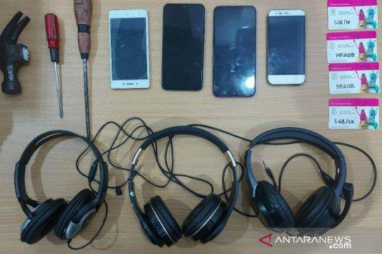 Polres Bangka Selatan tangkap empat pelaku pencurian counter HP