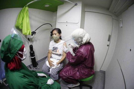 Layanan mobil meliling vaksinasi COVID-19