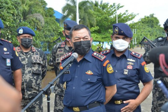 KKP tangkap kapal ikan berbendera Indonesia di Selat Makassar