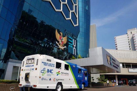 Menteri BUMN Erick Thohir menghadirkan Mobile Laboratorium tes PCR