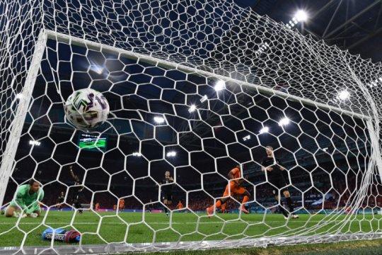 Belanda bungkam Austria 2-0