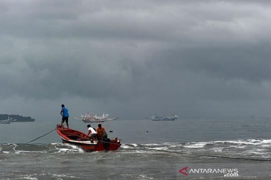 Potensi hujan sedang hingga lebat di sebagian wilayah Indonesia