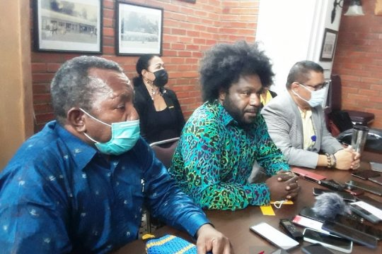 Ketua DPRD Tolikara bantah kenal pelaku penjual senjata KKB