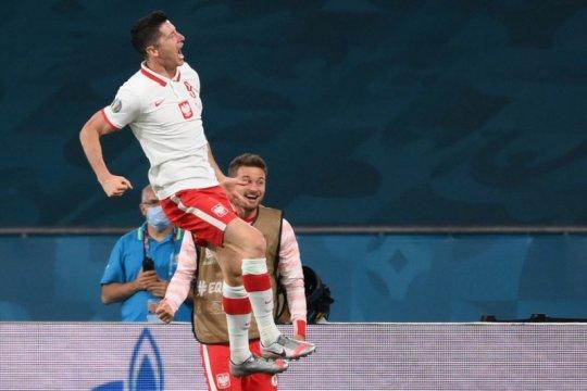 Spanyol bermain imbang 1-1 lawan Polandia
