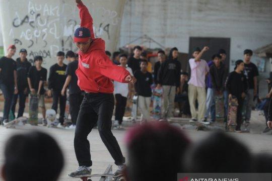 Skateboarder Palembang rayakan  hari Skateboard sedunia