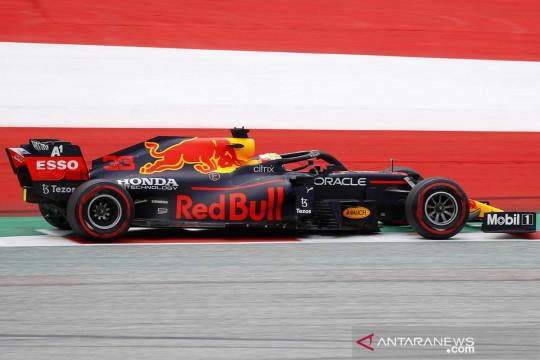 Aksi pembalap pada sesi latihan F1 Austria di Red Bull Ring