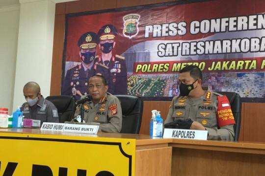 Ardi Bakrie serahkan diri ke polisi usai Nia dan sopir ditangkap