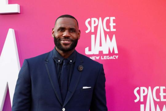 LeBron James jadi pebasket NBA paling tajir sejagat