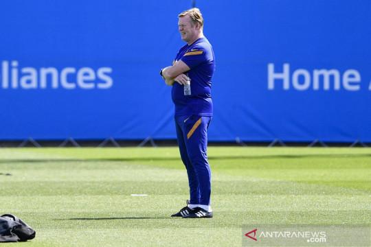 Ronald Koeman ingin lama melatih Barcelona