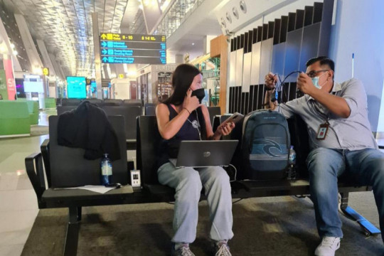 Bali immigration deports foreigner for resisting self-isolation order