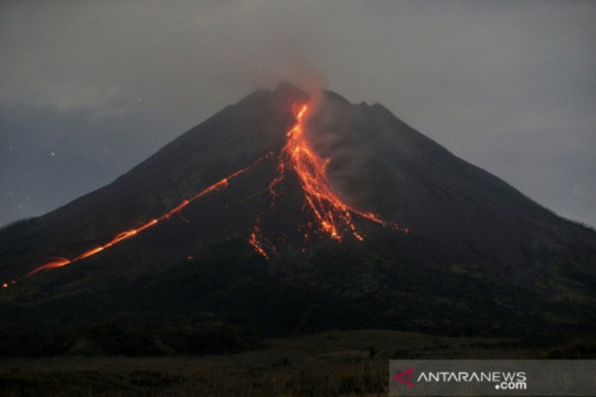 Kubah lava di tengah kawah Merapi tumbuh hingga 2,8 juta meter kubik