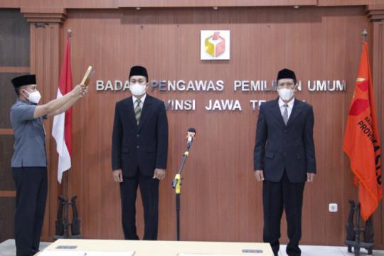 Anggota Bawaslu Batang dan Kendal diminta jaga  integritas