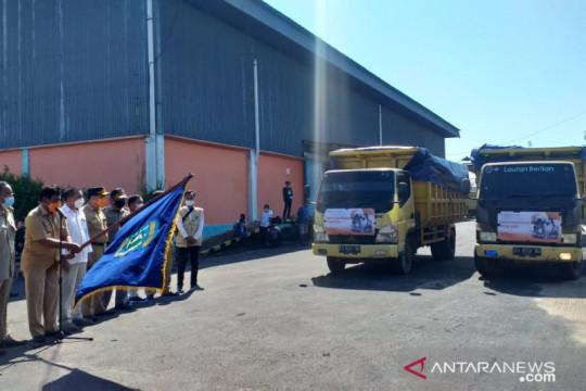 Bupati Belitung melepas penyaluran bantuan beras PPKM