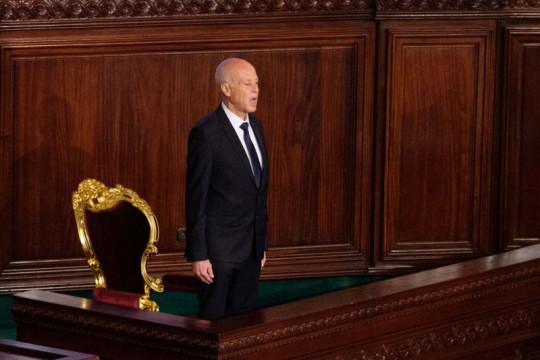 Presiden Tunisia pecat PM dan bekukan parlemen