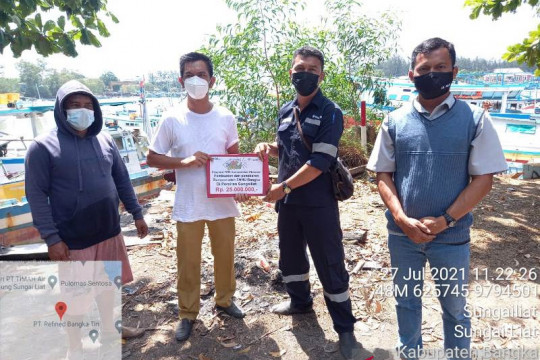 Serikat Nelayan Nahdlatul Ulama Bangka Terima Bantuan Pembuatan Rumpon dari PT Timah Tbk