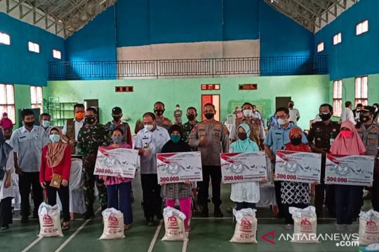 Pemkab Bangka Barat mulai menyalurkan bantuan sosial PPKM