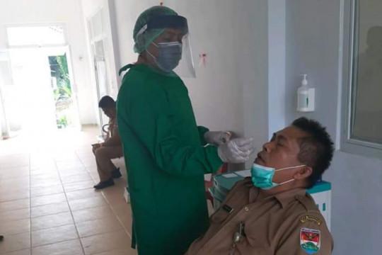 Sejumlah ASN di Minahasa Tenggara dites usap antigen