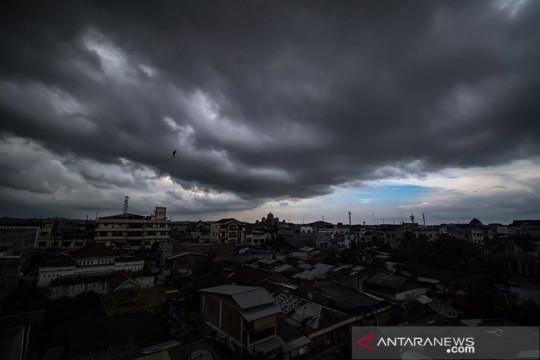 BMKG: beberapa wilayah Indonesia berpotensi hujan lebat disertai angin