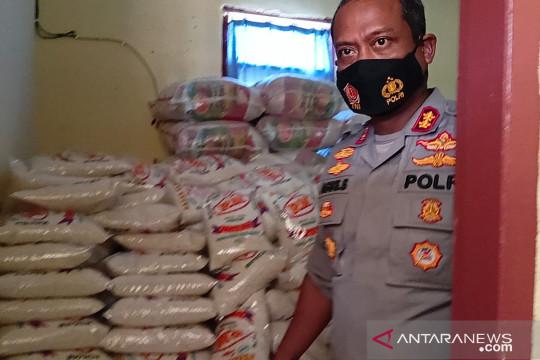 Polisi Bangka Barat salurkan 3.000 paket sembako kepada warga terdampak PPKM