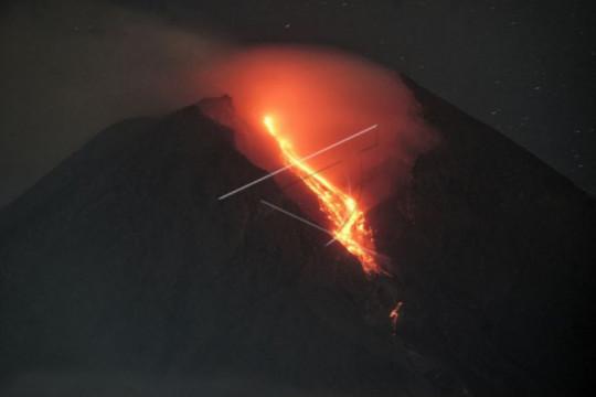 Gunung Merapi 179 kali meluncurkan guguran lava selama sepekan
