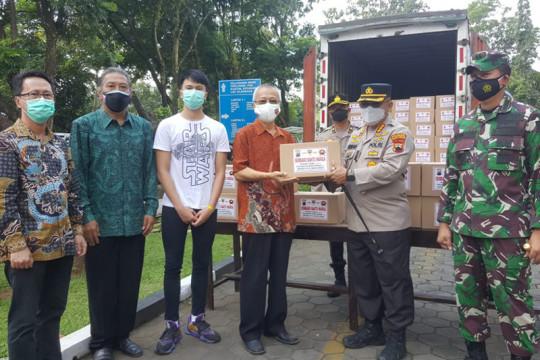 Puhua Care gandeng TNI-Polri salurkan 1.000 paket sembako untuk warga Banyumas