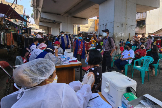 Laju vaksinasi COVID-19 harian di Indonesia telah sentuh satu juta penyuntikan