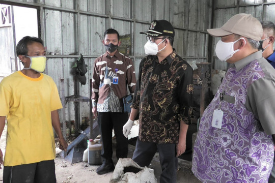 PT Banyumas Investama Jaya diminta beli produk TPST