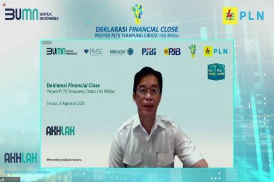 Raih pendanaan tiga bank internasional, PLN mulai konstruksi PLTS terapung terbesar di Asia Tenggara