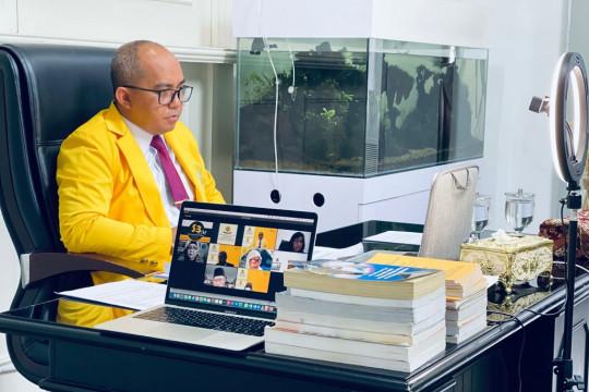 Walikota Pangkalpinang berhasil raih gelar Doktor dari Universitas Sriwijaya