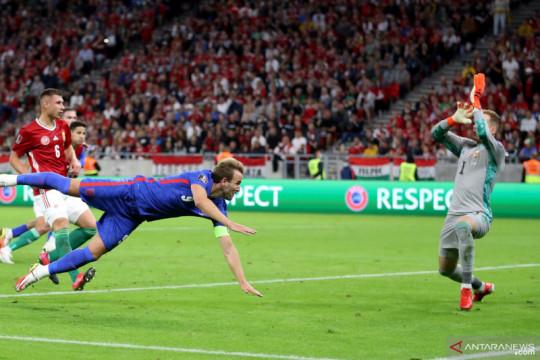 Inggris gasak Hungaria 4-0