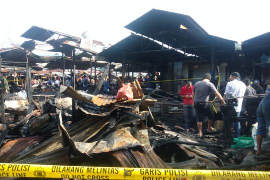 Kebakaran Pasar Bawah Bukittinggi Sumbar hanguskan 300 kios