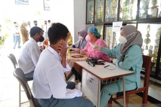 Pemkab Bangka Tengah vaksinasi 549 pelajar