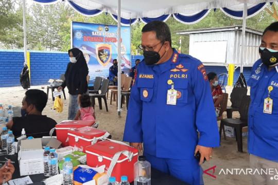 Ditpolair Polda Babel berikan layanan vaksinasi masyarakat nelayan